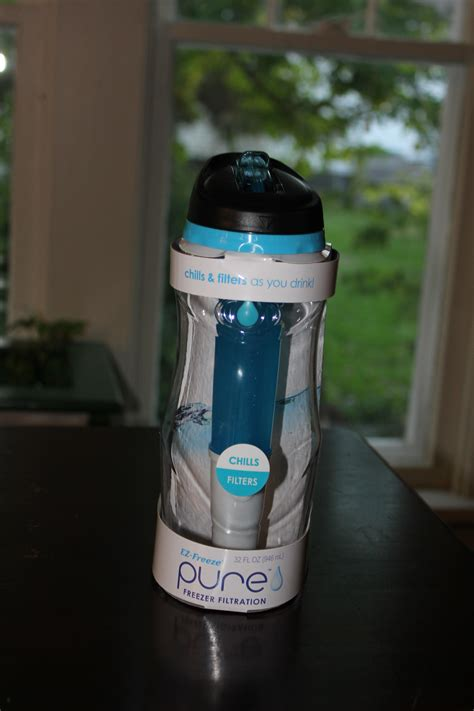 cool gear  ez freeze pure  oz  usable water bottle review  giveaway