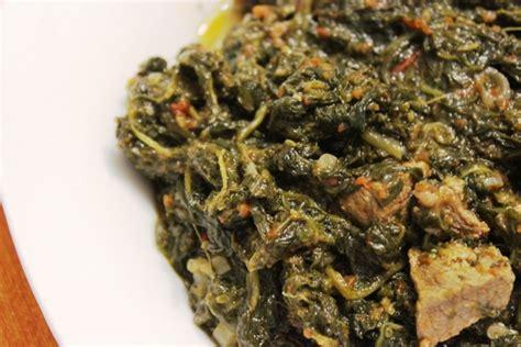 cuisine africaine camerounaise epinards sautés au boeuf ou gboma dessi recette