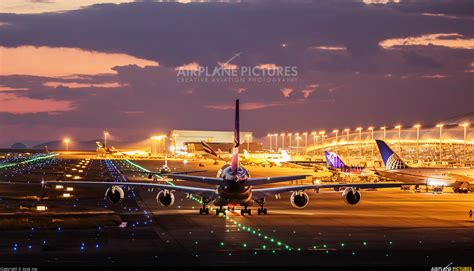 hs tue thai airways airbus   kansai intl photo id  airplane picturesnet