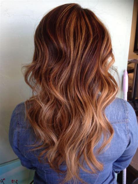 caramel balayage  ashley rembulat ruskeat hiukset ja