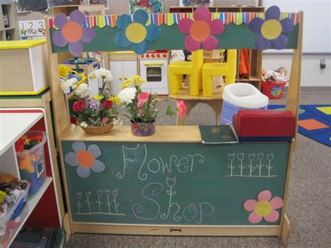 flower shop we set up during gardening theme at preschool 311 | 4b74d86312013bf1438e4970744a97ec