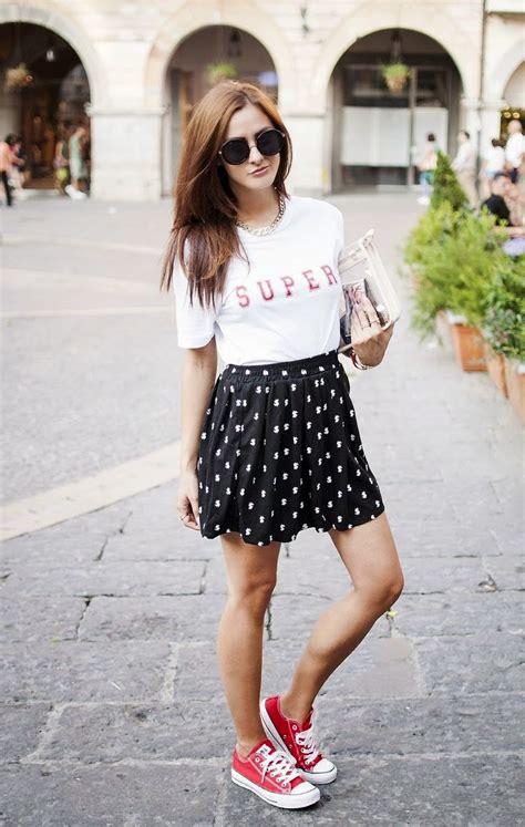 Faldas de moda u00bb falda-con-tenis-5