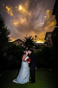 Sunset wedding photo hilton garden inn las vegas strip for Las vegas sunset weddings
