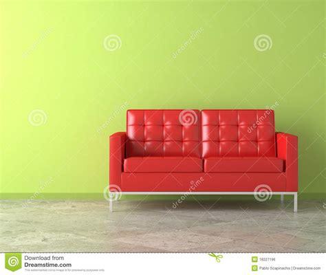sofa vermelho parede verde sof 225 vermelho na parede verde imagem de stock royalty free