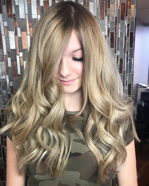 Wavy Hairstyles by 24 Wavy Hair Ideas That Are Freaking In 2019