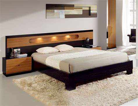 Lacquered Made In Spain Wood Modern Platform Bed With