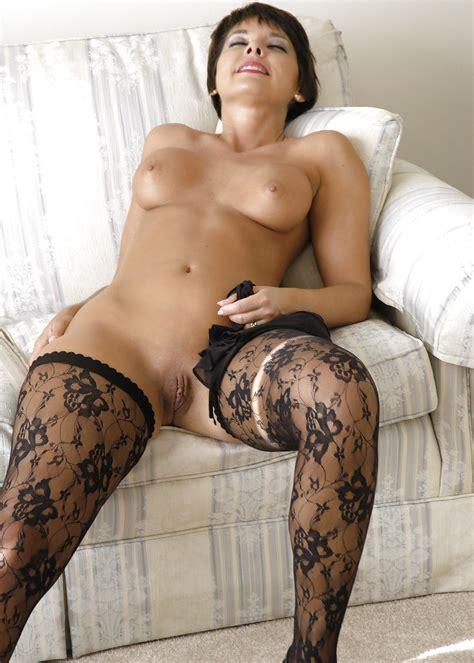 Tanja Nude Model Short Hair