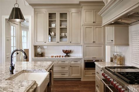 light tan kitchen cabinets indian river is the cabinetry color in my homes of