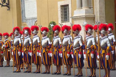 tout savoir sur les gardes suisses the pope pie xiii