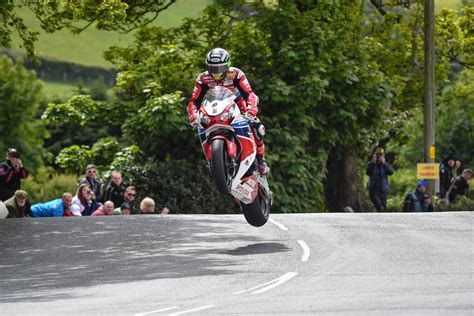 It's that time of year where we think about a new broom to sweep away the cobwebs. Watch John McGuinness Tear Through The Isle Of Man (And ...