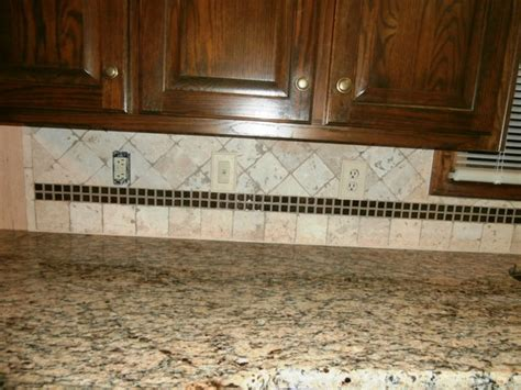 tile for kitchen walls st cecilia granite on cabinets traditional 6152