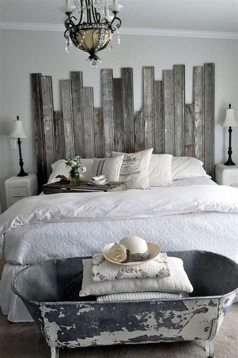 chambre en palette idee deco tete de lit en bois