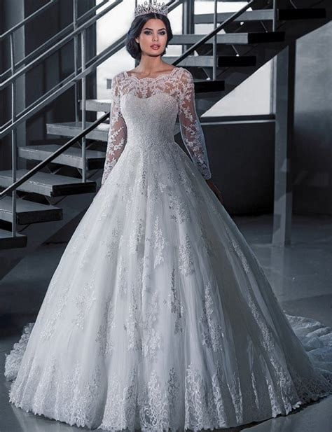 A226 Vintage Bridal Ball Gown Long Sleeve Lace Wedding