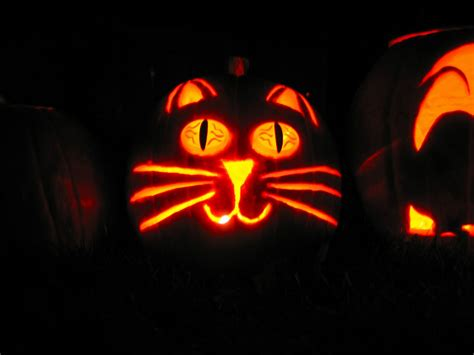 Free Halloween Pumpkin Carving Stencils Of Cats Or Dogs