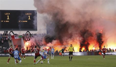 poland soccer hooligans  ate   pies