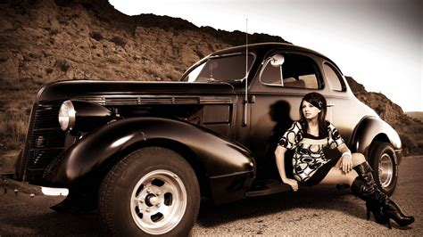 Nationwide Casting Call For Hot Rod And Pin Up Girls