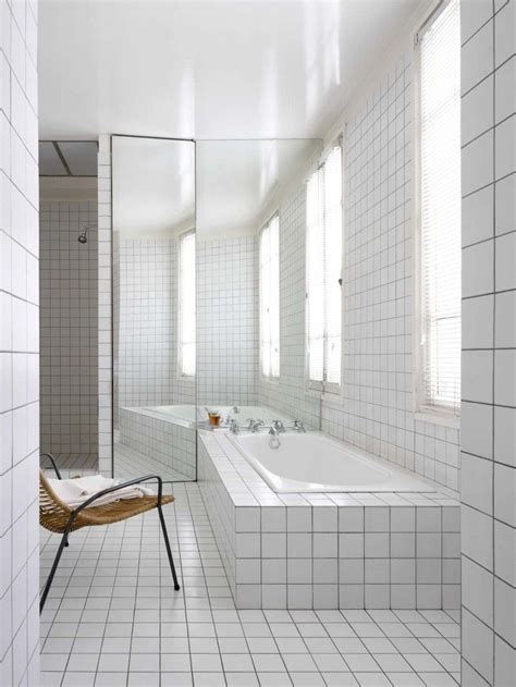White Bathroom Tile Designs by 25 Best Ideas About White Tiles On Geometric