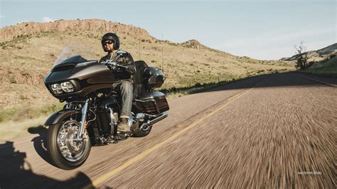Harley Davidson Road Glide Backgrounds by Motorcycles Desktop Wallpapers Harley Davidson Cvo Road
