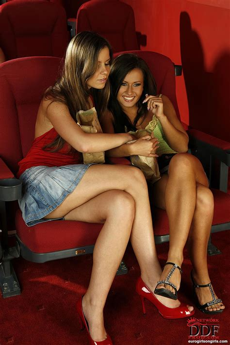 Leggy Euro Carla Cox And Girlfriends Toying Lesbian Pussies In High Heels Porn Pictures Xxx