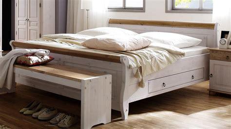 Bett Oslo Doppelbett Aus Kiefer Massiv Weiß Antik 180x200 Cm