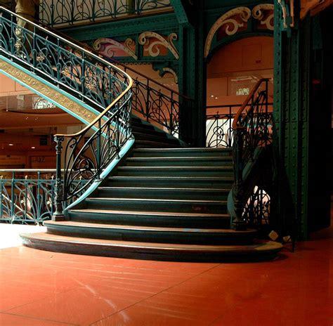 La samaritaine, the landmark paris department store that dates to 1870, is reopening after closing 16 years ago. Samaritaine, edificio emblematico a Parigi - Altre ...
