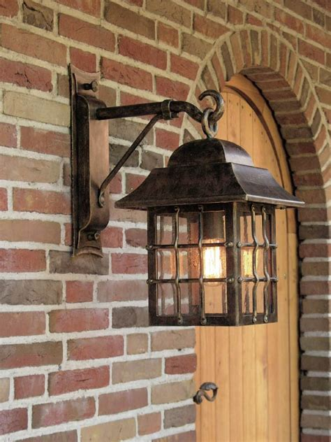 applique lanterne suspendue en fer forg 233 patin 233 pour l ext 233 rieur fabriqu 233 par les forges