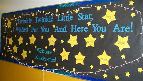 miss kinder welcome to kindergarten bulletin 968 | 001