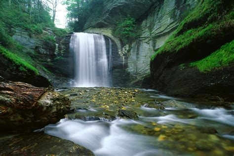 Awesome Mountains & Waterfalls Wallpaper Desktop