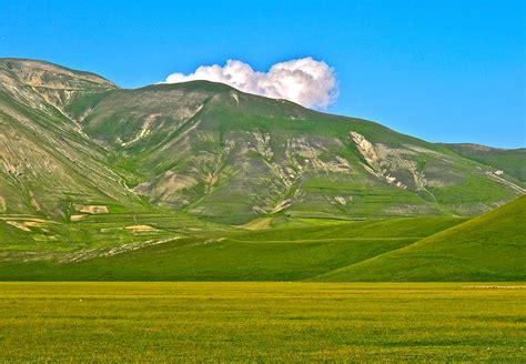 Good Sights: Italy – Castelluccio di Norcia – The ...