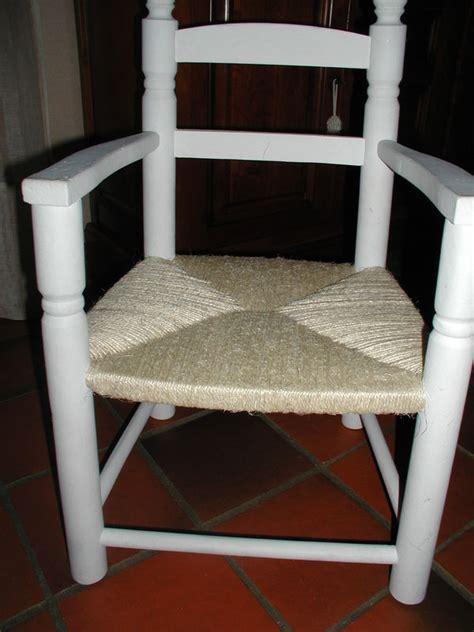 comment rehausser une chaise comment reparer une chaise en paille