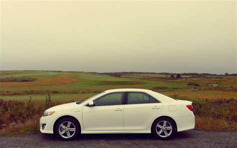 Toyota Camry Se 2014 by Capsule Review 2014 Toyota Camry Hybrid Se The