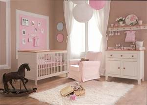 Chambre Fille : deco chambre bebe fille rose et taupe