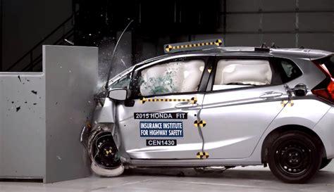 2015 Honda Fit gets a redesigned front bumper after IIHS