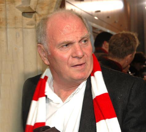 Uli hoeneß kritisiert borussia dortmund für deren transferpolitik. File:Uli Hoeness 2505.jpg - Wikimedia Commons