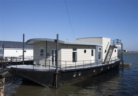 Houseboat England harbour houseboat canopy stars