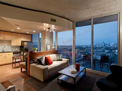 Houston Appartment by Briar Hollow Highrise Houston