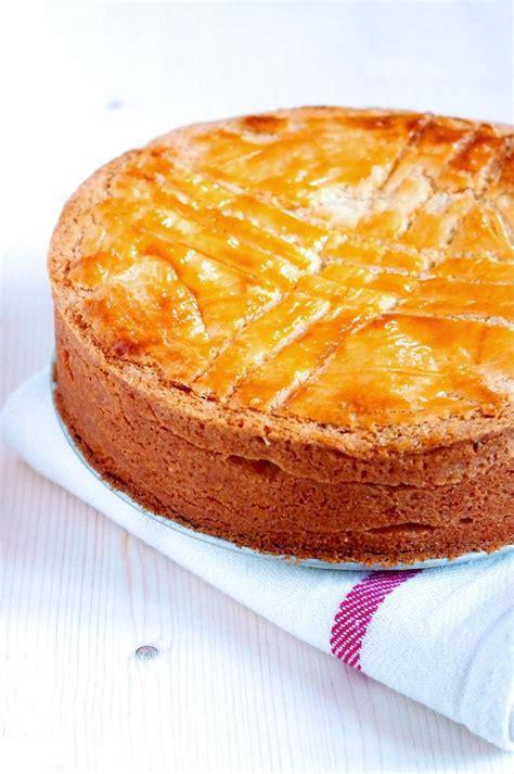 specialite basque cuisine gâteau basque pays basque découvrez les spécialités culinaires du pays basque ici