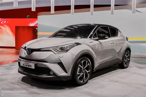crossover toyota toyota puts its creative pants on for geneva with the c hr