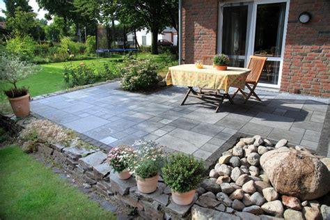 Garten Terrasse neue gartenterrasse mit natursteinmauer