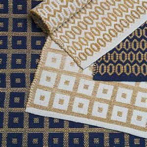 le tapis vegetal a la cote marie claire With tapis jonc de mer avec canapé 2 places bleu marine
