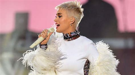 Katy Perry makes Twitter history with 100 million