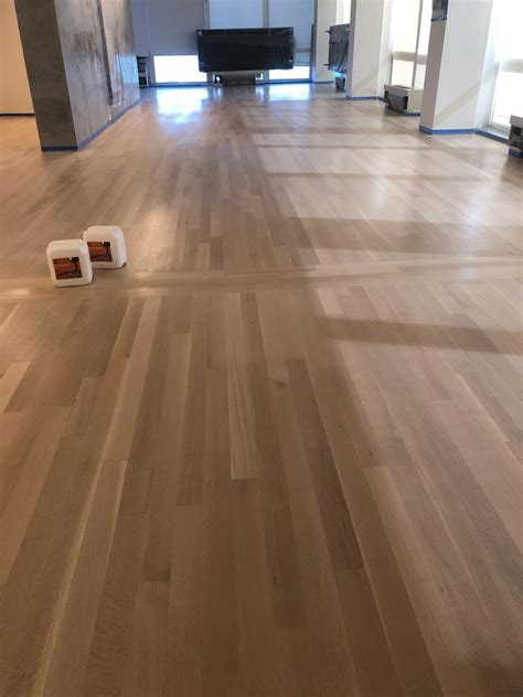 white oak wood floor  country white stain color