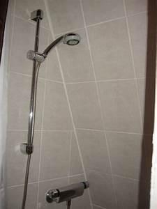 Dachschräge Dusche Verkleidung : dusche in der dachschr ge hotel r mischer kaiser worms ~ Michelbontemps.com Haus und Dekorationen