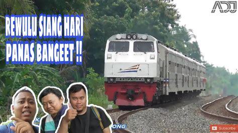 Check spelling or type a new query. Kereta Api Melintas Saat Teriknya Siang Di Stasiun Rewulu ...