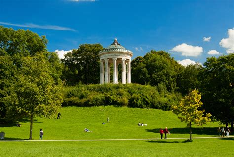 Englischer Garten Munich by Top Sights Not To Miss In Munich Travel Moments In Time