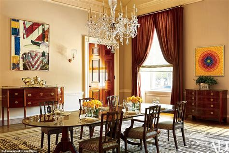 Obama Reveals Private Living Areas Of White House  Daily. Victorian Living Rooms. Fireplace For Small Living Room. Elegant Contemporary Living Rooms. Best Wall Paint Colors For Living Room. Living Room Design With Dark Wood Floor. Accent Furniture For Living Room. My Living Room Satoshi. Who Makes The Best Living Room Furniture