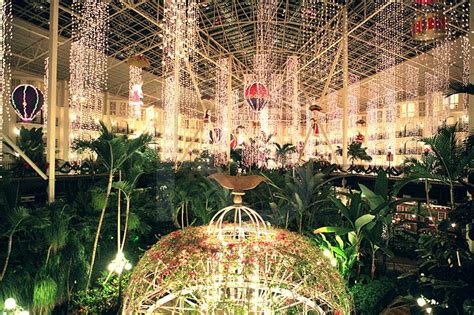 opry mills christmas lights gaylord opryland hotel holiday decorations 1