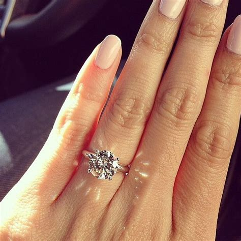 how to take the engagement ring selfie