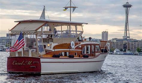 Seattle Evening Boat Tours by Seattle Sightseeing Charter Cruise Xperience Days
