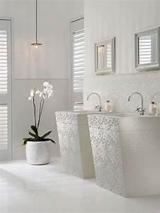 Badezimmer Verschönern Dekoration : coole deko in wei 18 frische und sommerliche ideen bad ~ Eleganceandgraceweddings.com Haus und Dekorationen